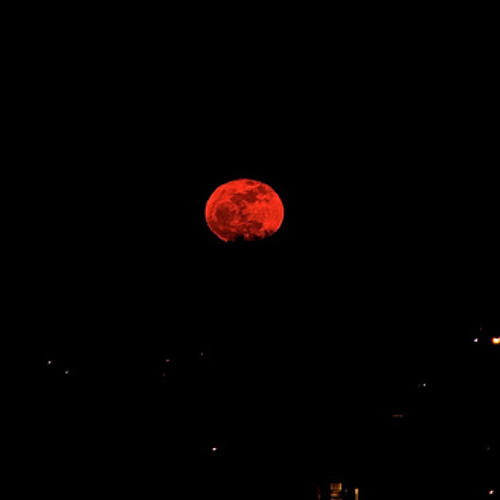 albe back red moon